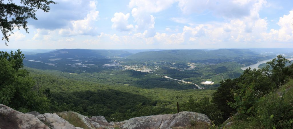 The view north-west from Lookout Mountain. You can see the arc of the Tennessee river on the right heading north towards Signal Mountain.