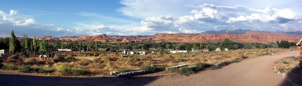 This panorama shows the view east from our campsite -- again, you can see the La Sal mountains on the horizon at the right.