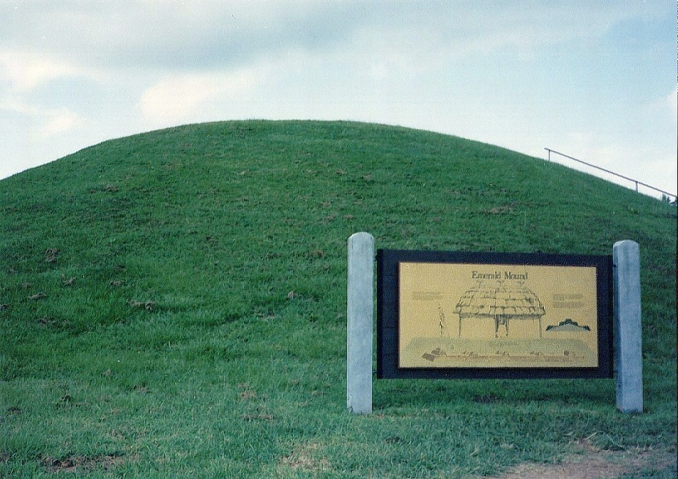 Indian Mounds/Vilage Sites. The photo below shows one such site. It is a large mound that would have provided a defendable village centre.