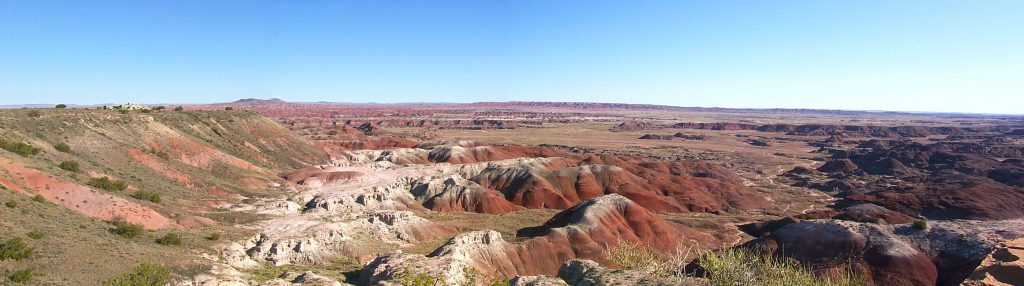 At the northern end of the park, you can see some spectacular views of the painted desert.